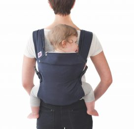 izmi-baby-carrier-back-carry-position