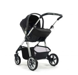 silver-cross-simplicity-car-seat-black-on-chassis