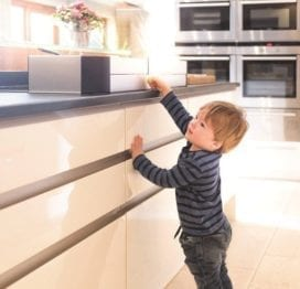 fred-safety-hob-stove-guard-lifestyle-2