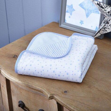 clair-de-lune-stars-stripes-blanket-blue-lifestyle