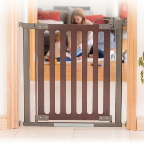 fred-safety-gate-pressure-fit-dark-wood-extendable-main