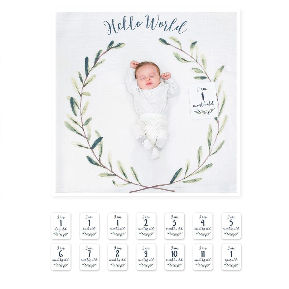 LuLuJo Single Cotton Swaddle & Cards - Hello World Wreath